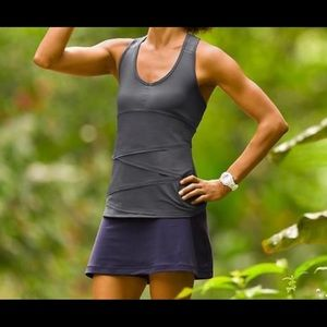 Athleta Swagger Tiered Tank Sz MD